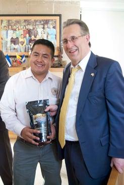 Juvencio Nuñez of the 21 de Septiembre Co-op was present when Ambassador Wayne tasted his coffee.